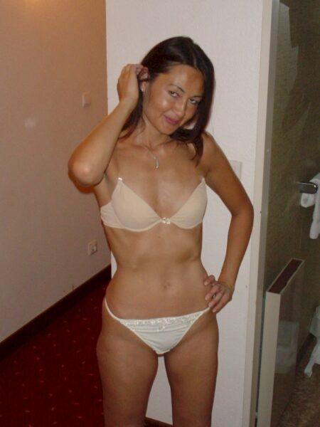 Femme asiatique sexy vraiment très sexy cherche un mec sympa