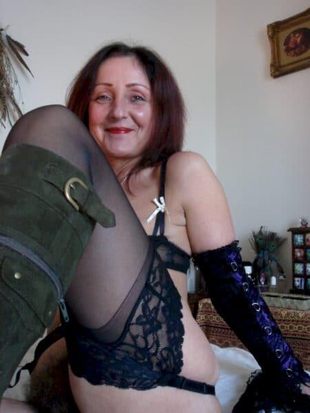 Femme infidèle vraiment très motivée cherche un homme séduisant